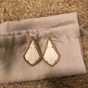 Kendra Scott White Pearl Earrings in Gold
